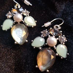 Chloe & Isabel Drop Earrings EUC